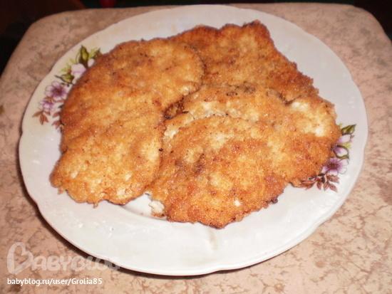 отбивные из куриного филе в панировочных сухарях