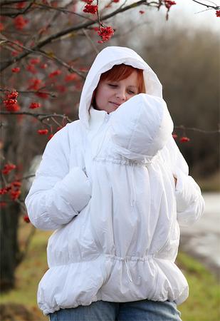 Белая кожаная куртка DolceGabanna.