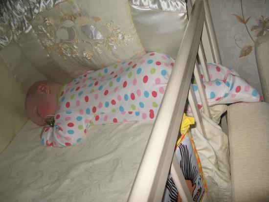 Если нрався так ребёнку, то почему бы не спать?