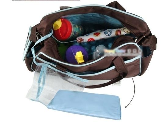 15. Комплекты из двух сумок Carters 2500 руб.