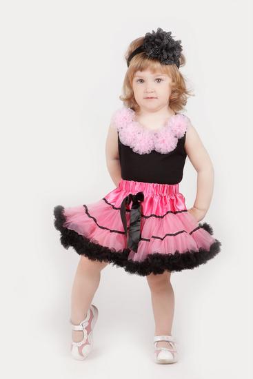 Пышная юбочка цвет малиновый с черным.
