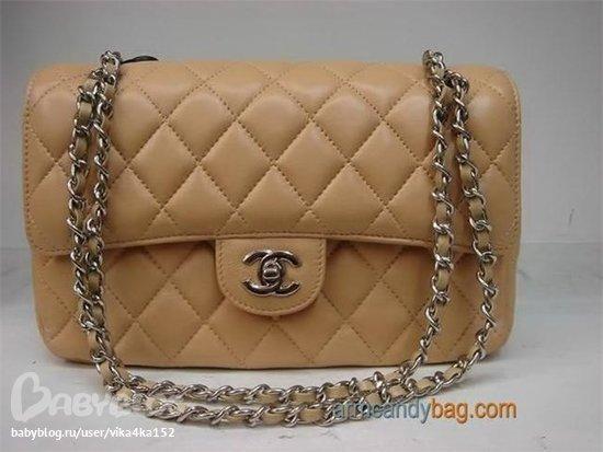 ...в сумке-клатч Chanel одно отделение и один боковой карман, длина...