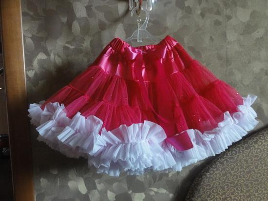 Сделать юбку можно своими руками, причем для изготовления не потребуется много усилий