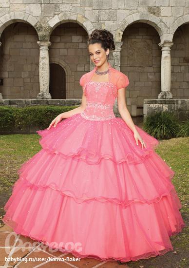 ...с собой, ты шила ей разные наряды, главное, чтобы побольше розового и.