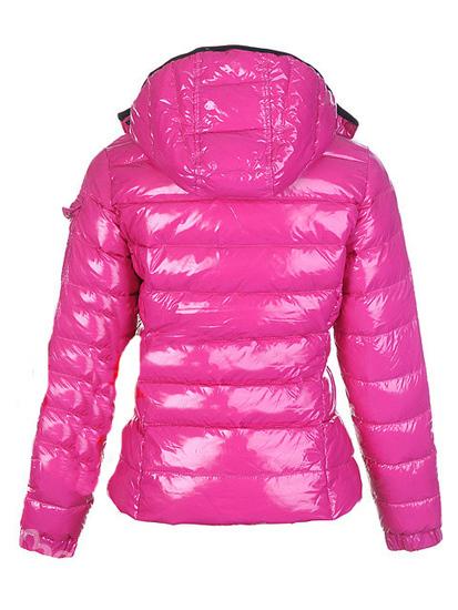 ...пуховики Moncler, жилетки, джинсы, худи Adidas, пальто и тд…все новое!