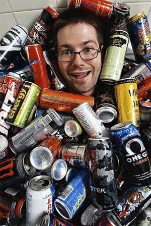 Сторож склада энергетических напитков Сидоров не спит уже 17 суток, но...