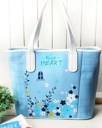 """Удобная городская сумка из серии  """"Touch """", цветовая гамма этой коллекции..."""