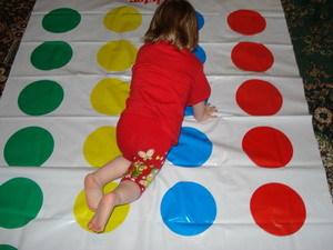 Игра руки и ноги на круги своя