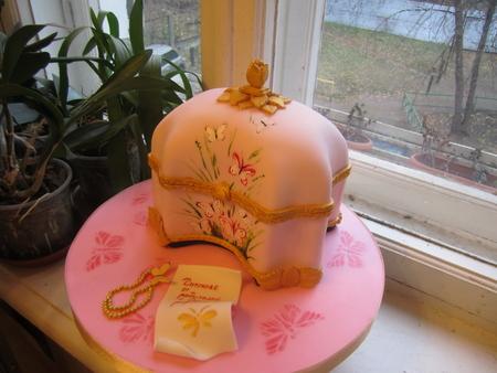 Торт шкатулка и бабочки