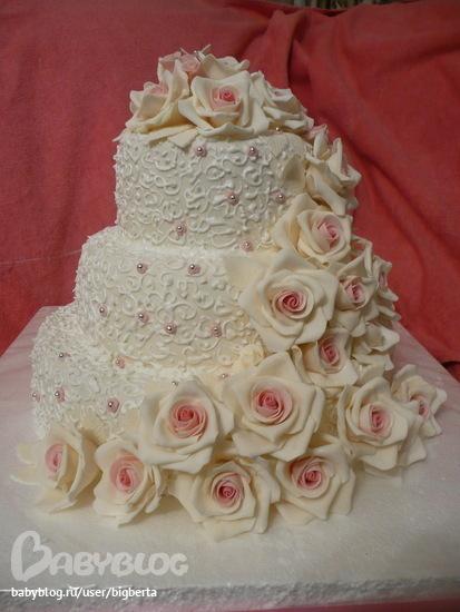 Торт с розами весит 9 кг с лилиями 7 кг