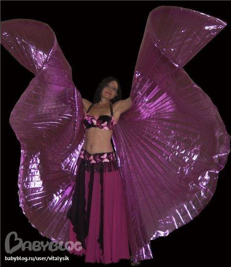 Он был сшит для танца с крыльями, но и без крыльев, классику, в нём тоже...