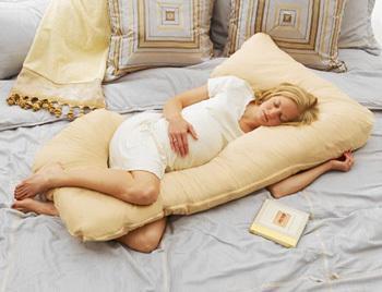 Почему нужно спать при беременности на левом боку