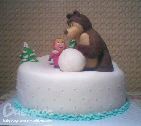 Торт Маша и медведь на рыбалке.