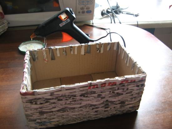 Как сделать коробку из газетными трубочек