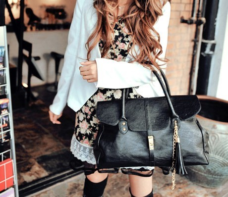 Сумки Саквояжи Модная сумка черного.