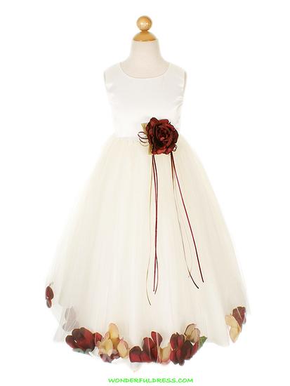 Очень красивое, пышное платье для девочки 12-13 лет.  Размер 39-40.