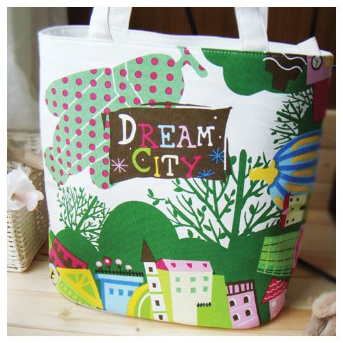 """Яркая и стильная сумка  """"Dream city """" DFX-0907A002, закрывающаяся на..."""
