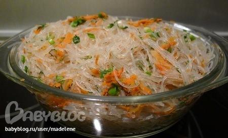 Салат фунчеза из рисовой лапши фото