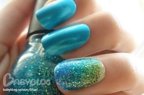 Маникюр мятного цвета с синим