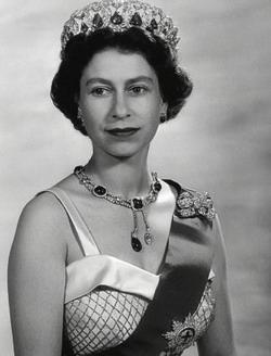 королева елизавета молодая фото